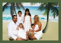FAMILY PORTRAITS GOLD COAST-family of six on backdrop Gold Coast