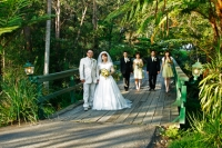 Bridal party walking through the grounds at Coolabah Downs-Gold Coast